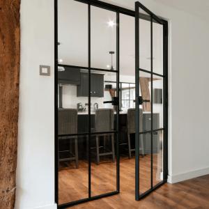 Internal Double Doors <br>Crossbars Design