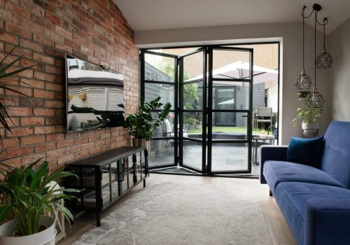 bi-fold_black_steel house livingroom area